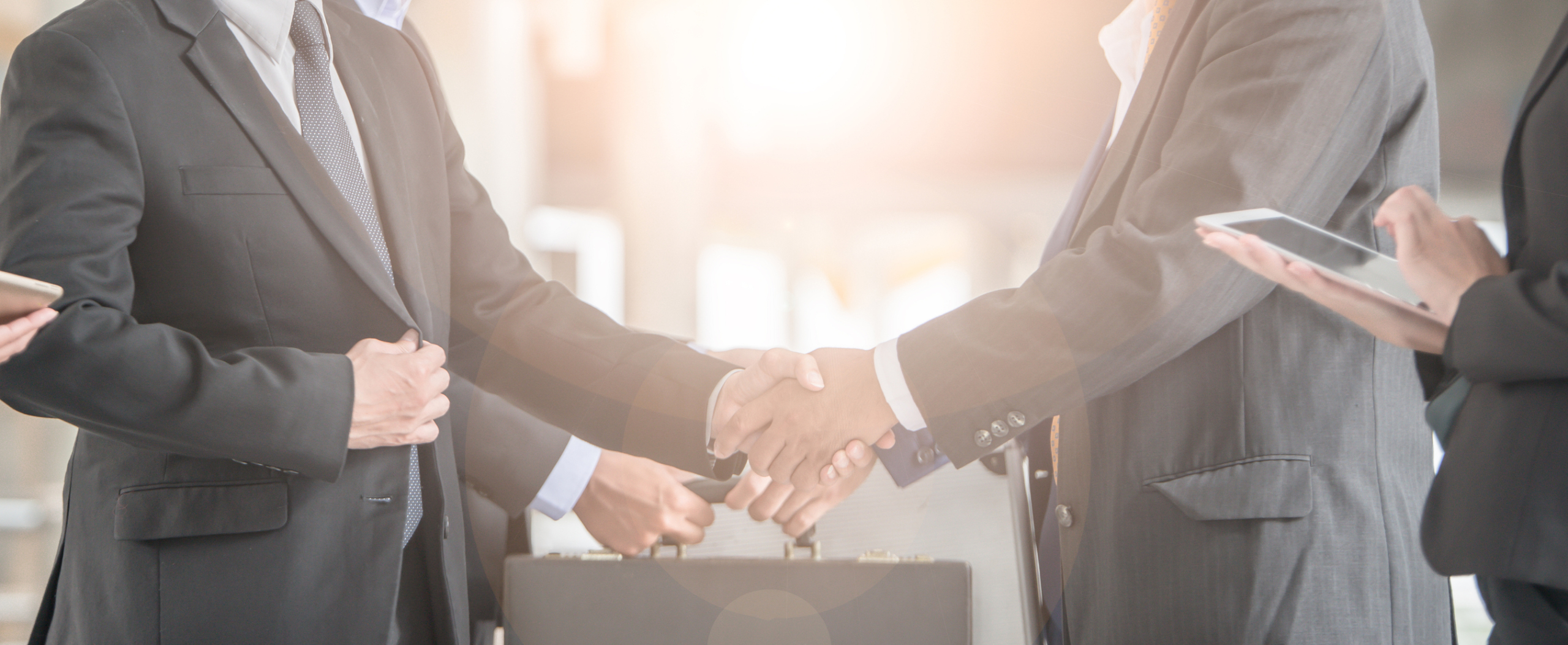 Business-handshake-agreement