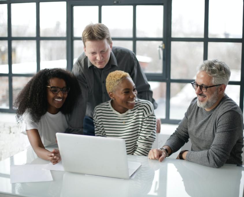 Team-working-via-computer